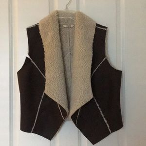 BB Dakota Shearling / Suede Vest